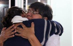 abrazo-con-mujer-de-toc3b1o